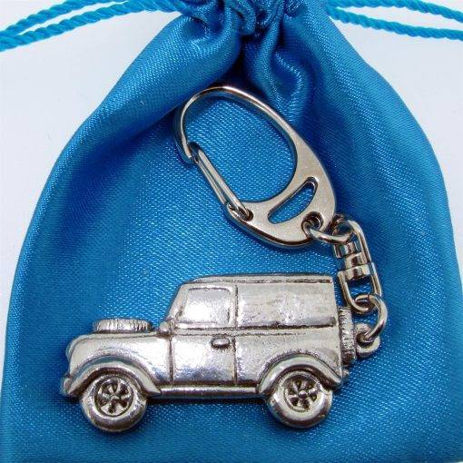 Classis Car (LR) Keyring - high quality pewter gifts from Pageant Pewter