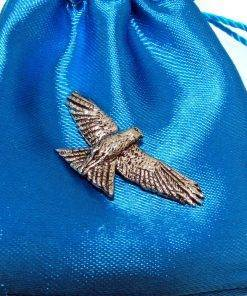 Red Kite Pin Badge - high quality pewter gifts from Pageant Pewter