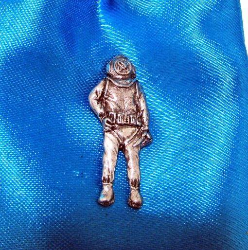 Commercial Diver Pin Badge - high quality pewter gifts from Pageant Pewter