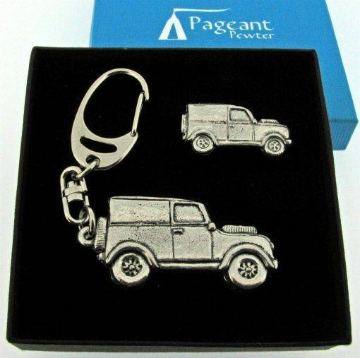 Classic Car LR Keyring Gift Set - high quality pewter gifts from Pageant Pewter
